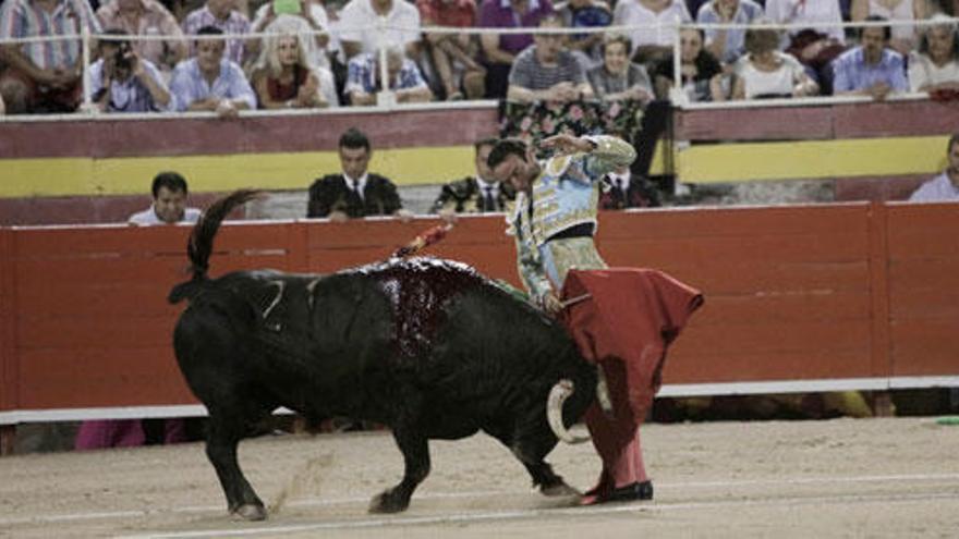 Las corridas de toros a la balear, sin sangre ni muerte, superan el primer trámite