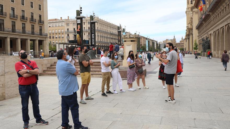 ¿Un pájaro, un avión, un turista? Los visitantes comienzan a llegar a Zaragoza con cuenta gotas