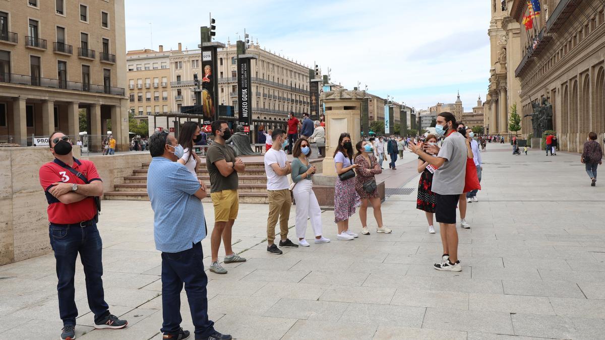 Una visita guiada en Zaragoza, este domingo.