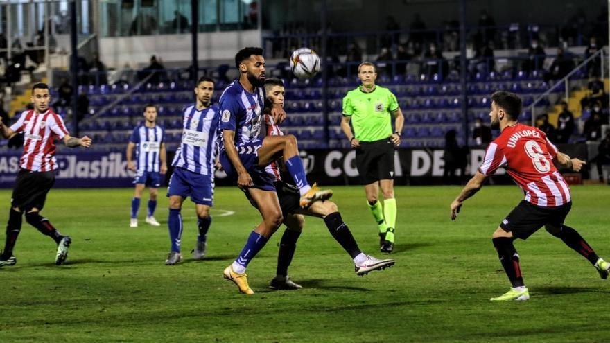 EL Athletic suda tinta en El Collao (1-2)