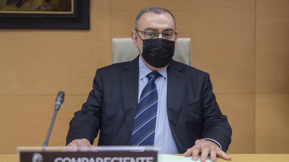 El excomisario de la Policía Enrique García Castaño, a su llegada a la comisión de investigación sobre 'Kitchen' en el Congreso.