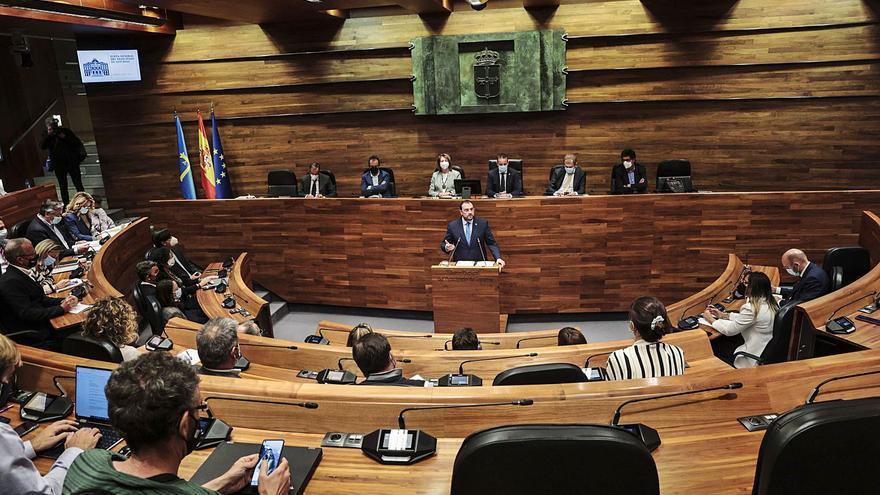 EN DIRECTO: Los grupos responden a Barbón en la segunda sesión del debate de orientación política