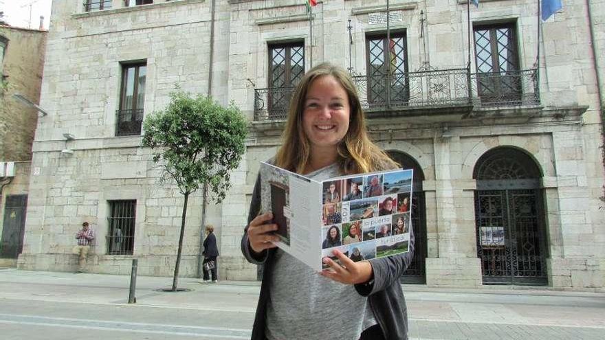 Nicole Pastusch, la americana que retrata el alma turística de Llanes