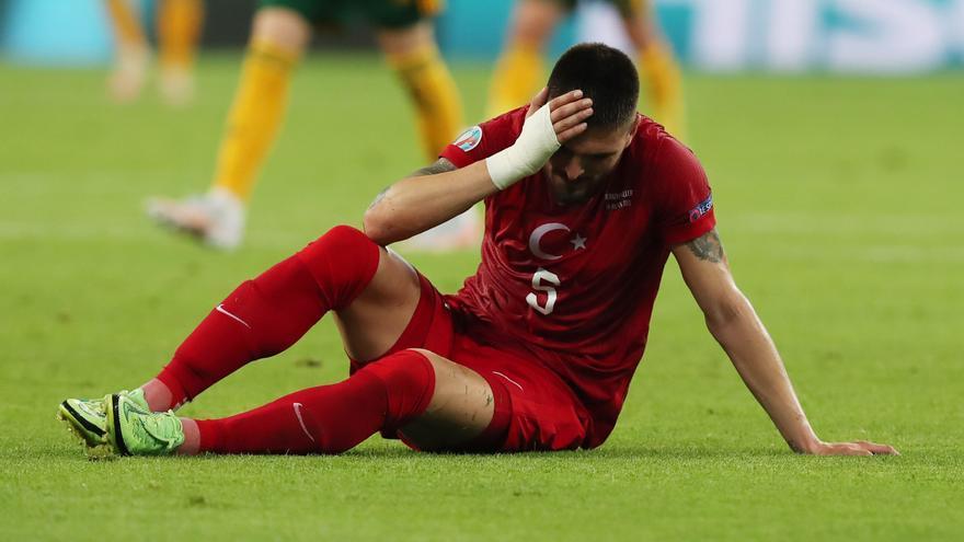 Okay, al borde de la eliminación tras caer Turquía ante País de Gales