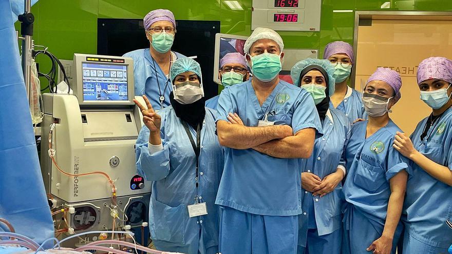Un canario aplica en Arabia Saudí una técnica eficaz para el cáncer de pleura