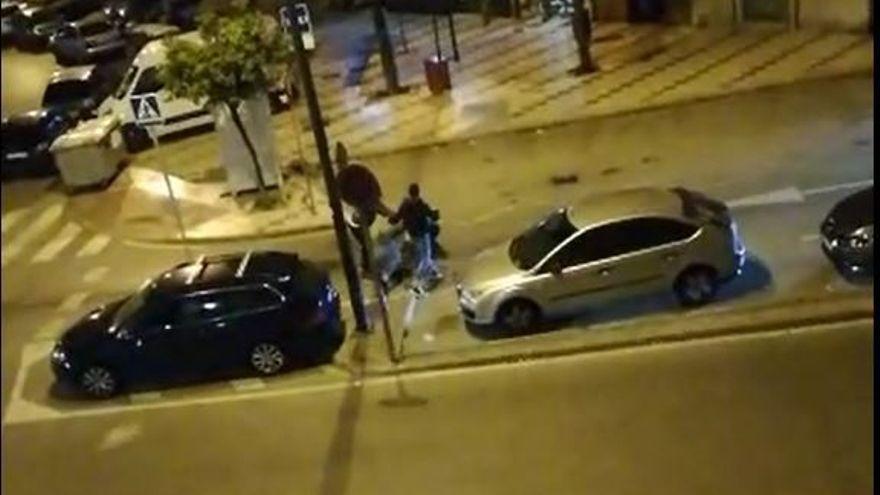 Dos jóvenes agreden a un taxista en Málaga por negarse a que subieran al coche con bebidas alcohólicas