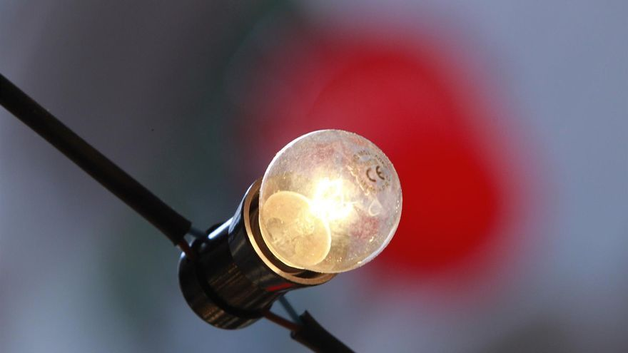 Nou pic en el preu de la llum aquest dimecres, amb 94,63 euros per MWh
