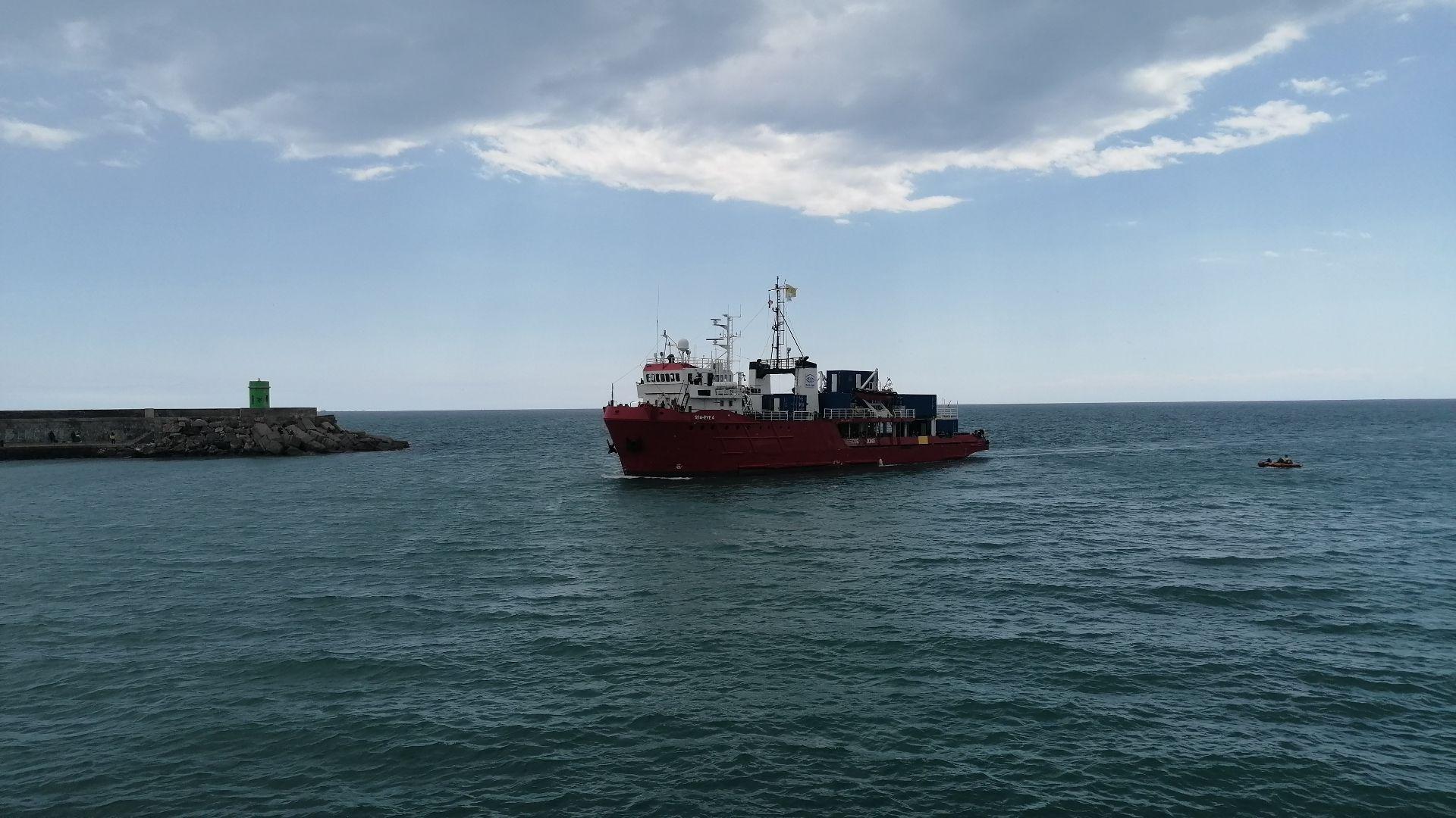 El 'Sea-Eye 4' atraca en Burriana y se prepara para su primera misión de rescate