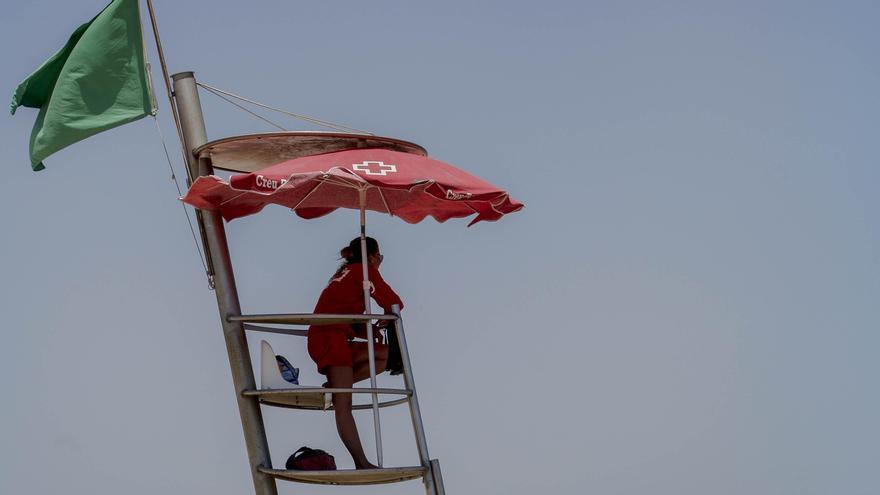 Tres millones para salvamento y socorrismo en las playas de València