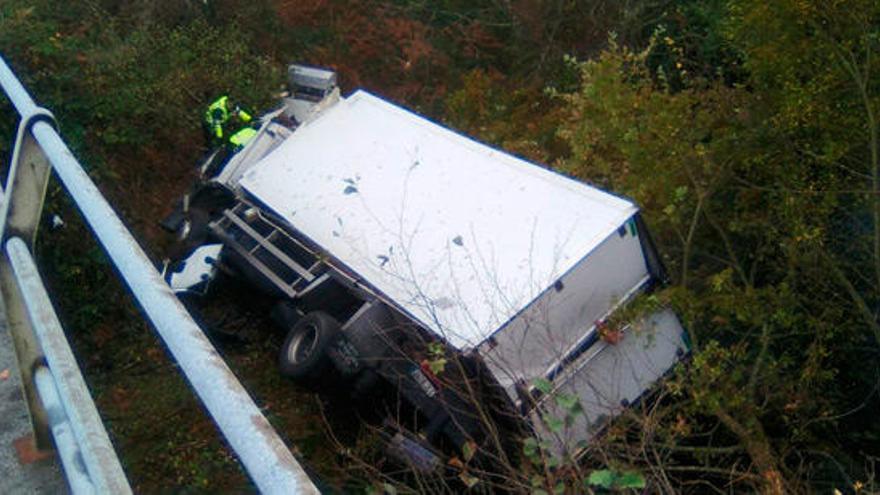 El conductor de un camión fallece en accidente en Curtis