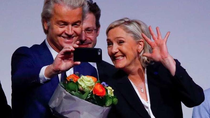 El xenófobo Geert Wilders destituye a un candidato por ser de extrema derecha