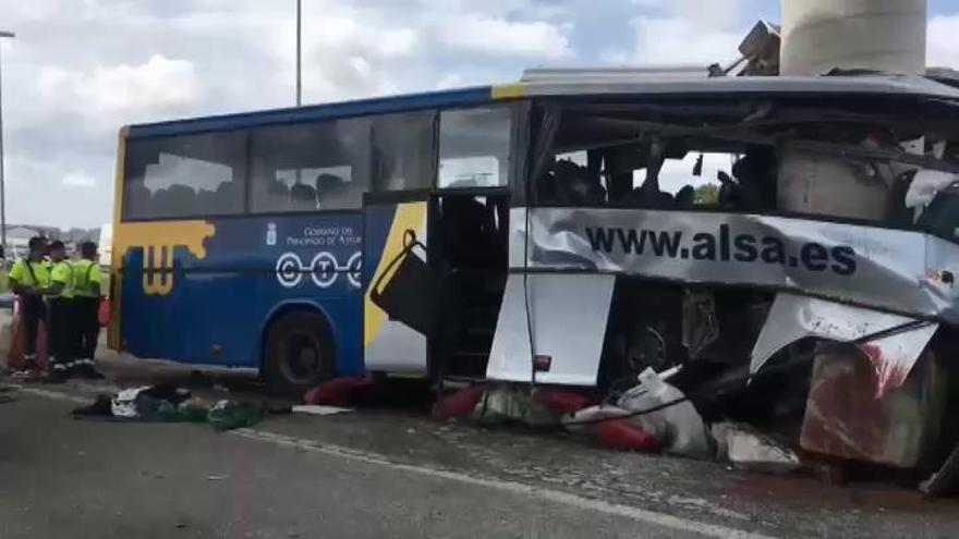 Un desvanecimiento, primera hipótesis del accidente de Avilés que deja 5 muertos y 15 heridos