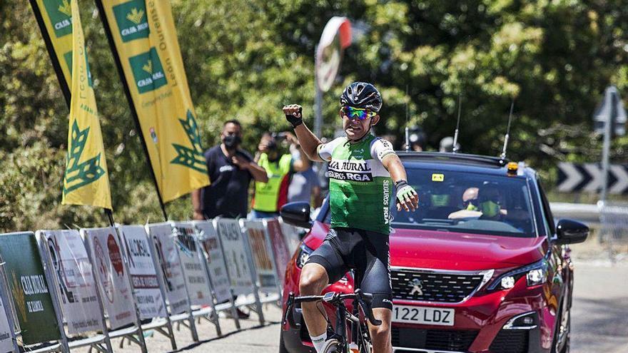 Etxeberría firma una página histórica en la Vuelta