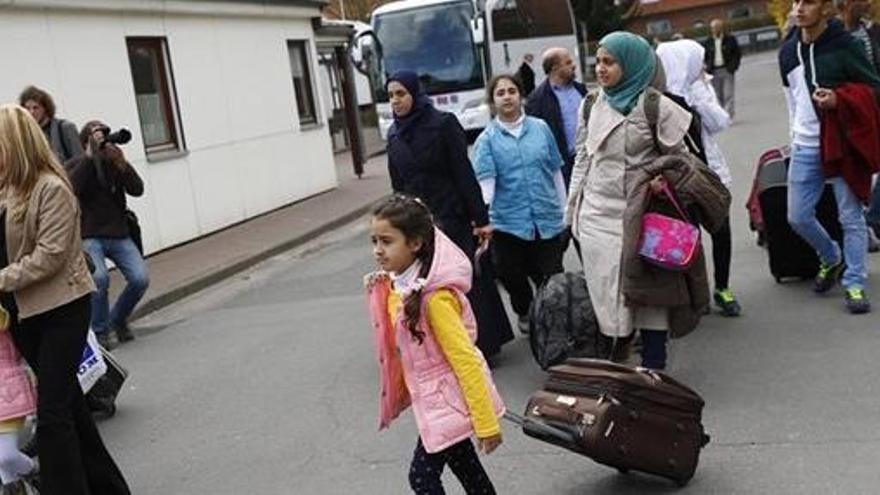 Alemania estudia deportar a los refugiados sirios que vayan de visita a su país