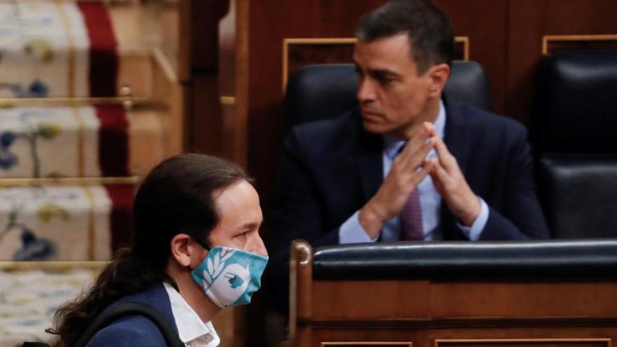 """Sánchez e Iglesias tuvieron """"una discusión fuerte"""" por la salida del rey emérito"""