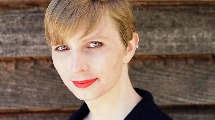 Manning presenta su candidatura al Senado de Estados Unidos