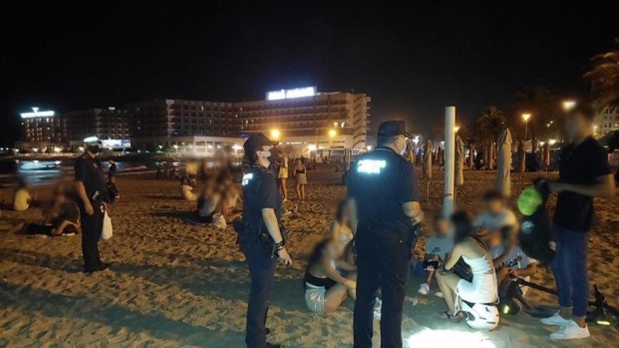 Detenida por negarse a dejar de fumar en una terraza de Alicante y enfrentarse con la Policía Local