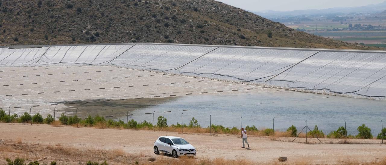 Los embalses del Vinalopó están vacíos porque desde el verano de 2018 no llegan aguas del Júcar.