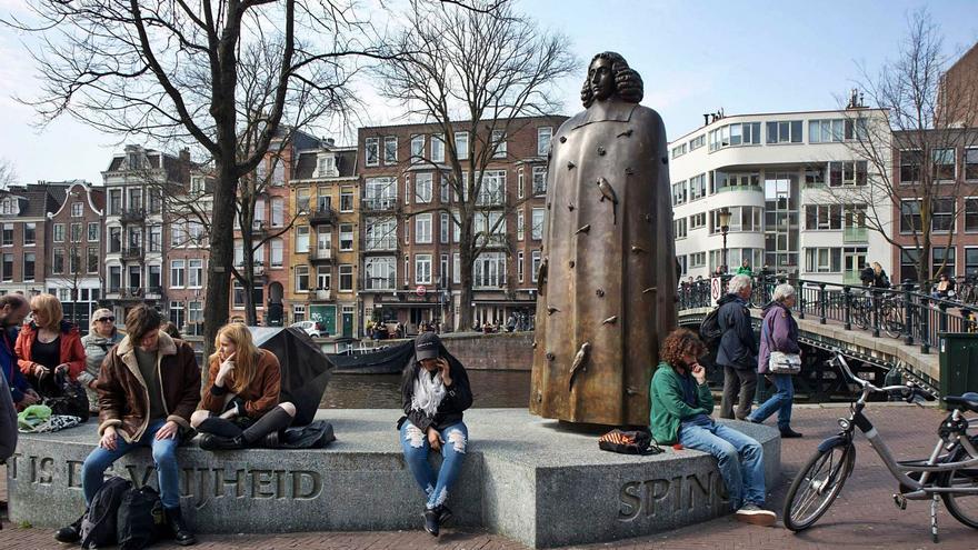 Spinoza  e as condicións da democracia