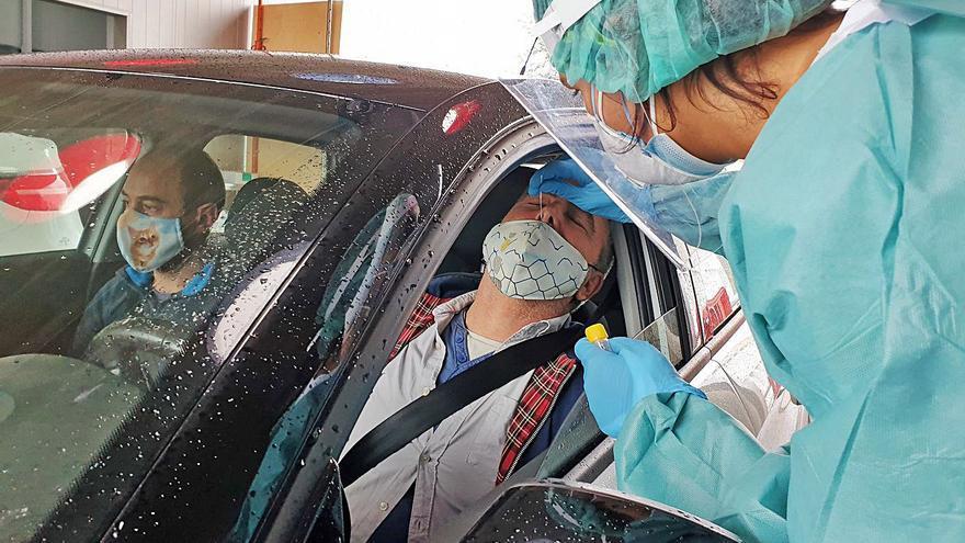 Galicia multará con hasta 3.000 euros a quien se niegue a vacunarse o someterse a una PCR