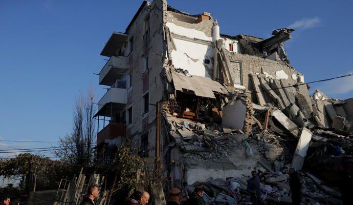 Un fuerte terremoto sacude Albania
