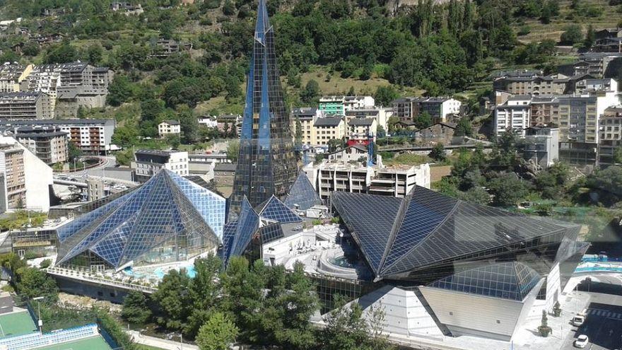 Un pet a Caldea, una baralla multitudinària i una família de Llançà expulsada d'Andorra
