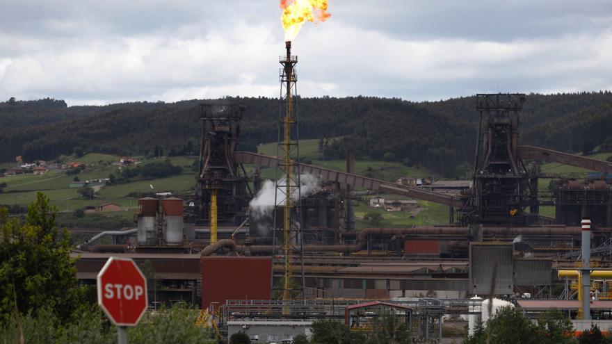 Ribera aliviará el recorte de beneficios a las eléctricas que bajen la luz a la industria