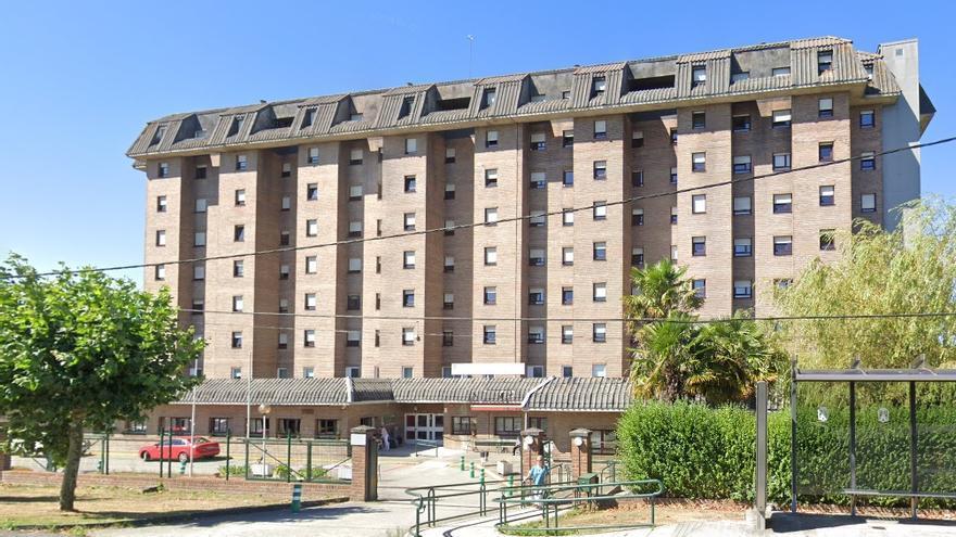 Detectado un brote con 49 positivos en la mayor residencia de Lugo con un hospitalizado