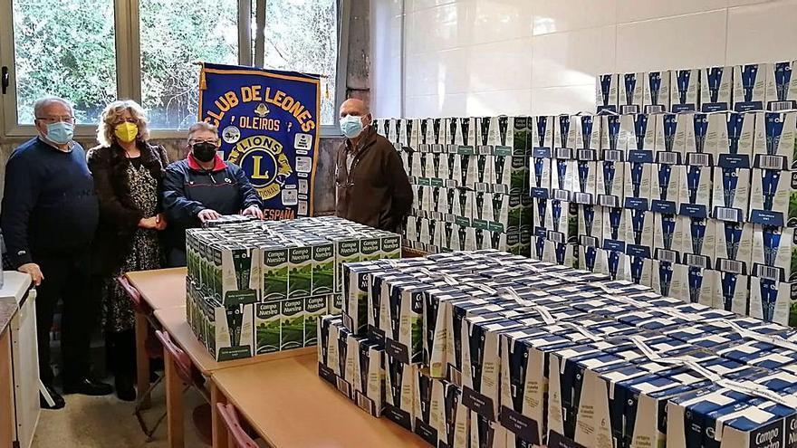 El Club de Leones dona 1.440 litros de leche a Cáritas de Santa Cruz