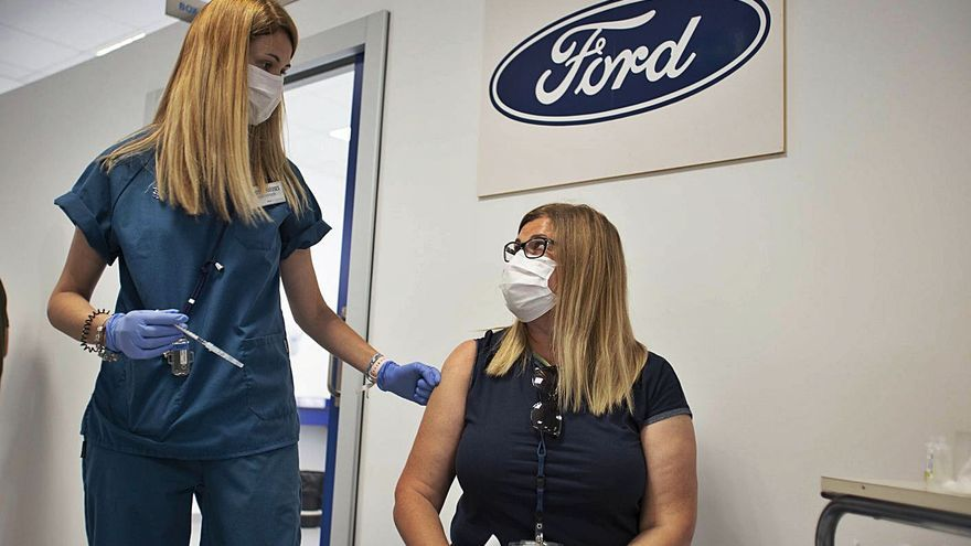 Ford administra  las primeras 263 dosis en sus instalaciones