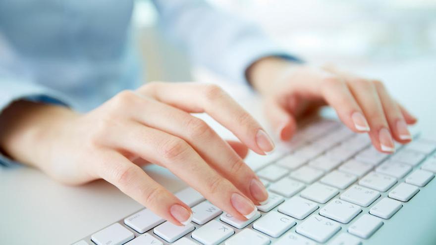 Cómo limpiar el teclado de tu ordenador portátil