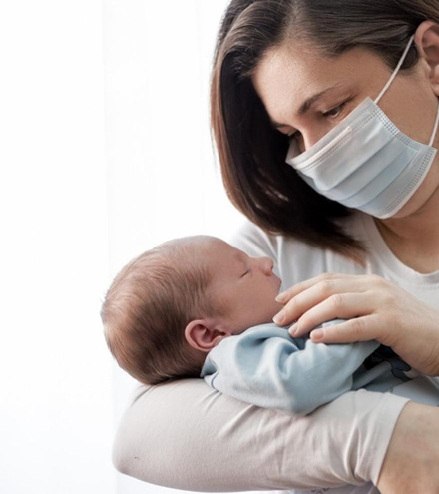 La OMS recomienda mantener la lactancia en casos de infección por Covid-19 y tras la vacunación