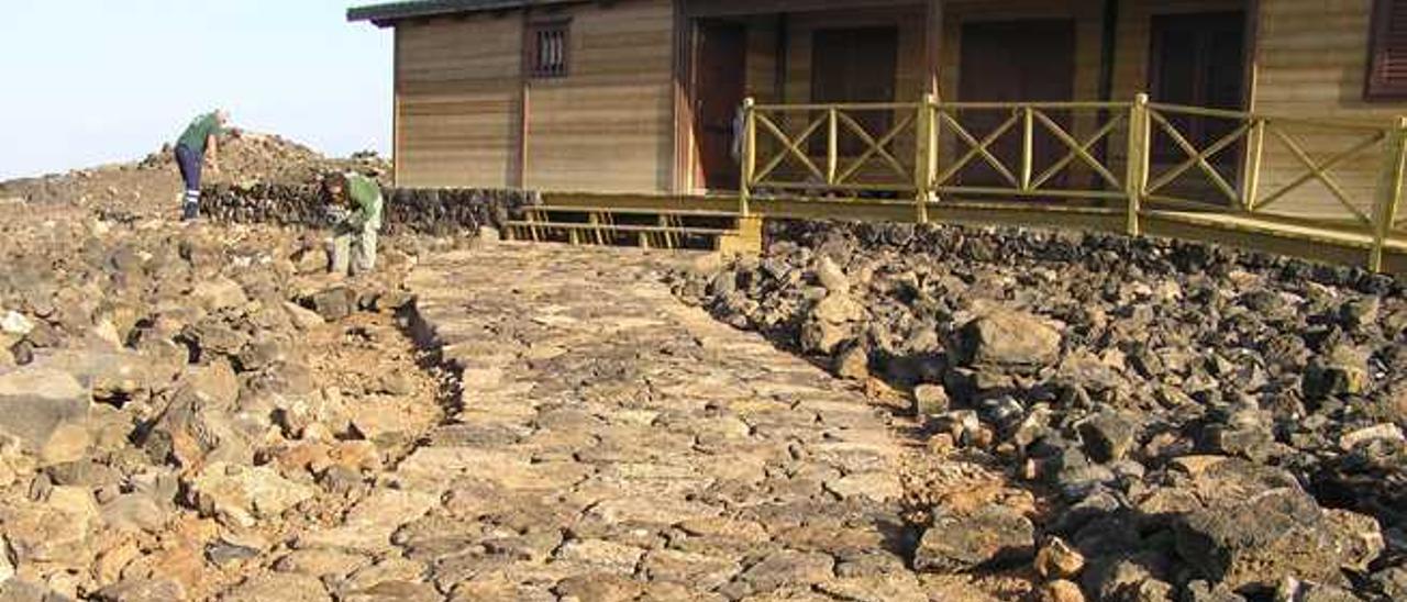 La Guardia Civil denuncia al Cabildo por vertidos de residuos en Lobos