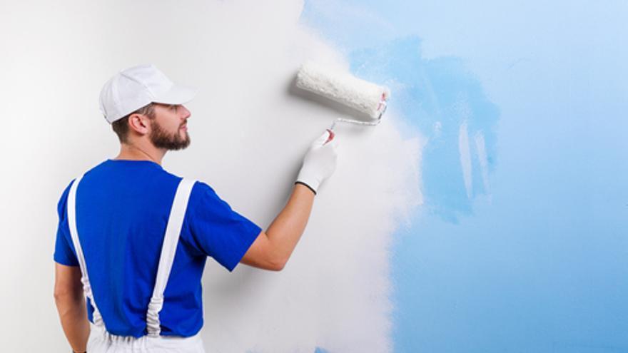 Las empresas asturianas buscan albañiles, oficiales de climatización, carpinteros, fontaneros, pintores y especialistas en colocación de parquet