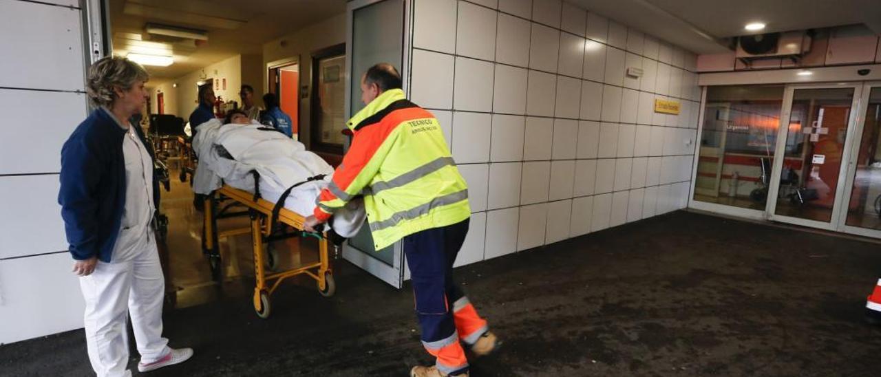 Una paciente entra en urgencias del San Agustín