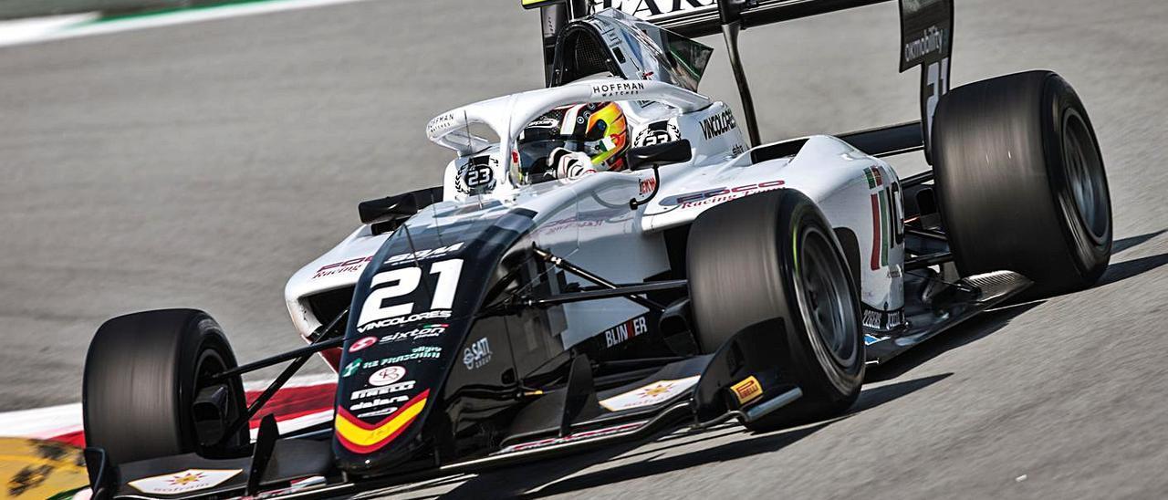 El piloto Lorenzo Colombo durante el Gran Premio de Barcelona.   CAMPOS RACING