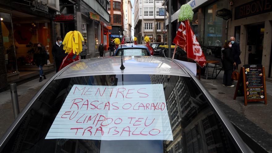 Caravana sindical en A Coruña por el convenio de la limpieza