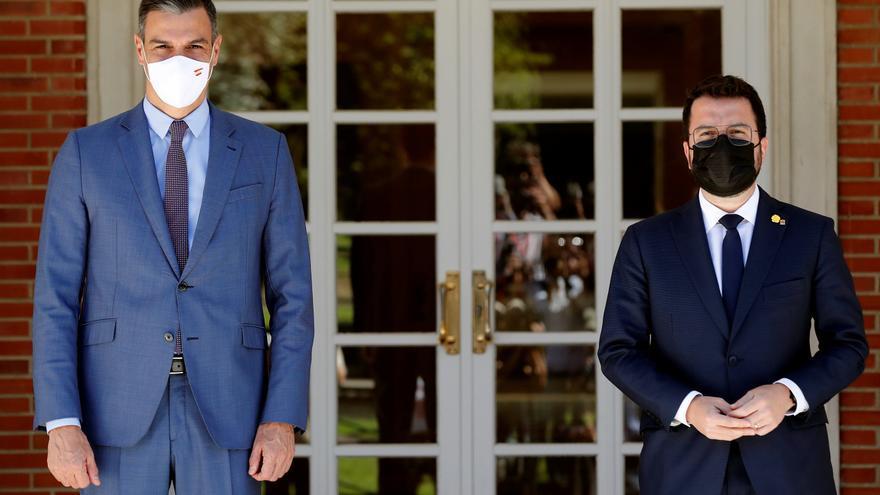 Aragonès i Sánchez acorden reactivar la taula de diàleg de governs la tercera setmana de setembre a Barcelona