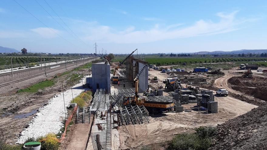 Adif adjudica un contrato complementario a la construcción del baipás de Almodóvar
