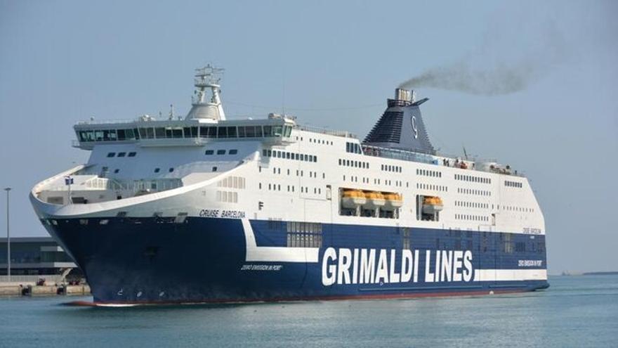 La APB concede a la empresa naviera Grimaldi licencia para operar durante un año en tres puertos de Baleares