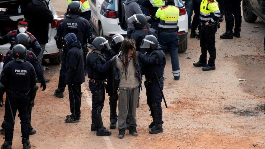 La juez deja libres a los dos detenidos por organizar la 'rave' de Barcelona