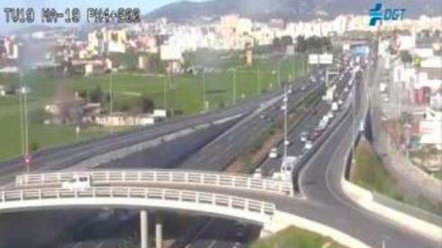 Unfall mit Diesel-Tankwagen auf der Flughafen-Autobahn