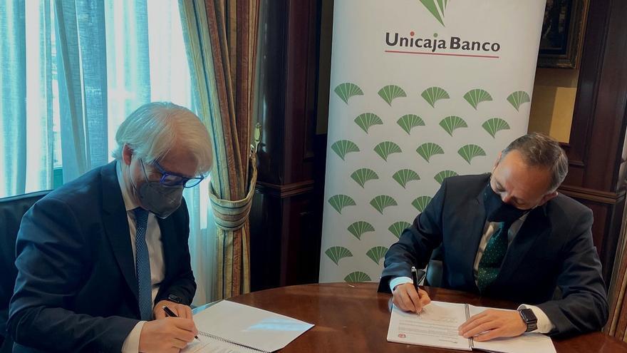 Unicaja renueva su convenio con el Colegio de Abogados de Málaga