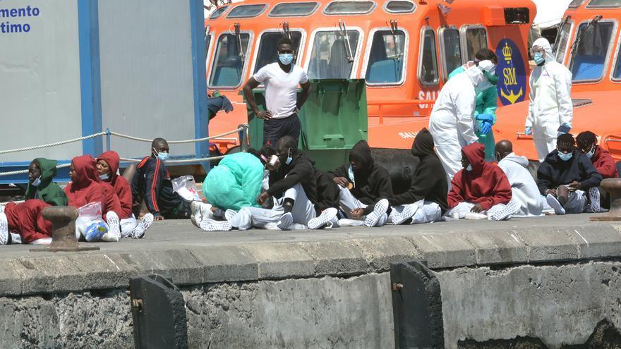 Rescatan en el mar a 92 migrantes en Gran Canaria, Alicante, Granada y Melilla