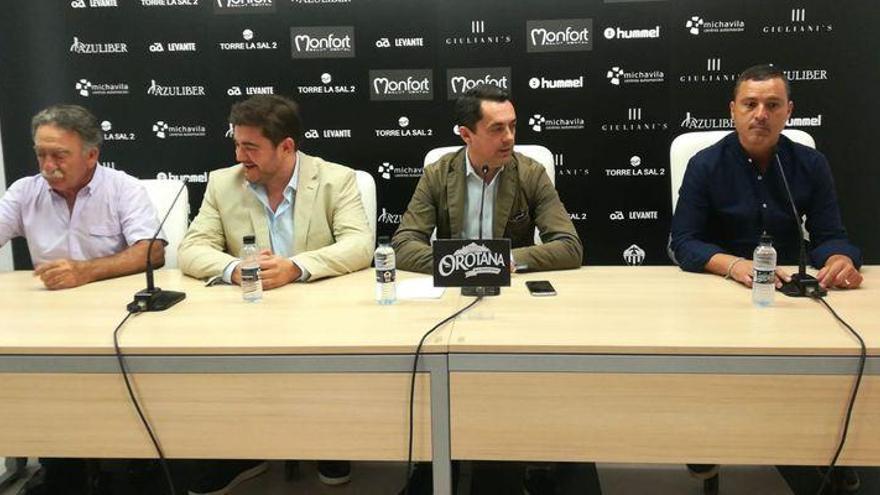 Escobar seguirá siendo entrenador del Castellón en Segunda B