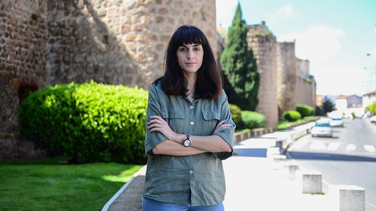 María Sánchez, licenciada en Psicología por la Universidad de Salamanca, posa para este diario en su ciudad, Plasencia.