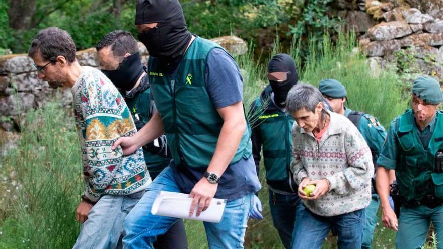 Registro Resistencia Gallega: Hallan un fusil, otras dos armas de fuego y munición