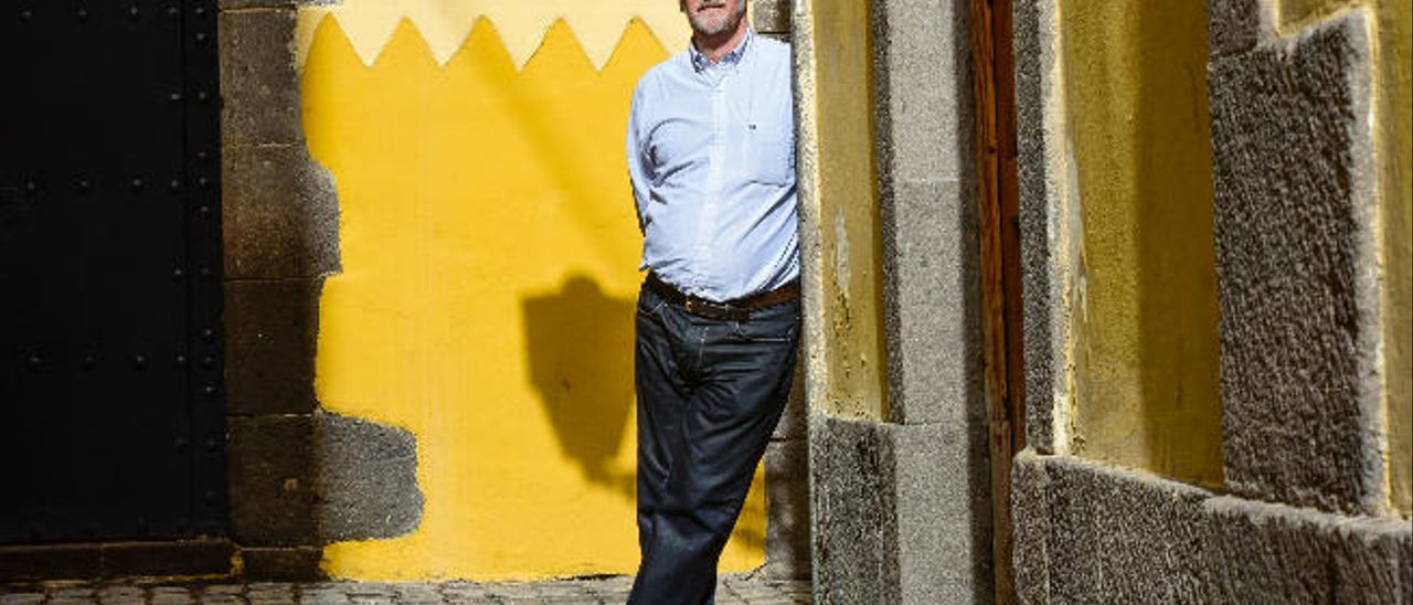 Jesús Emiliano Rodríguez, autor de la tesis sobre la población de Telde en el siglo XVII, en Vegueta.