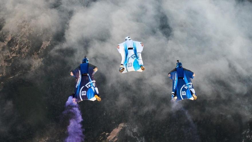 BMW desarrolla un traje de alas electrificado para volar a más de 300 km/h