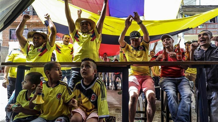 Un gol de Yerry Mina clasifica primera a Colombia